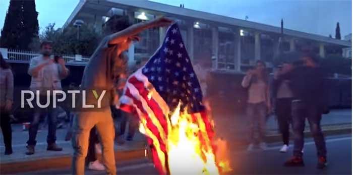 Протест у Атини: Американци, убице људи!