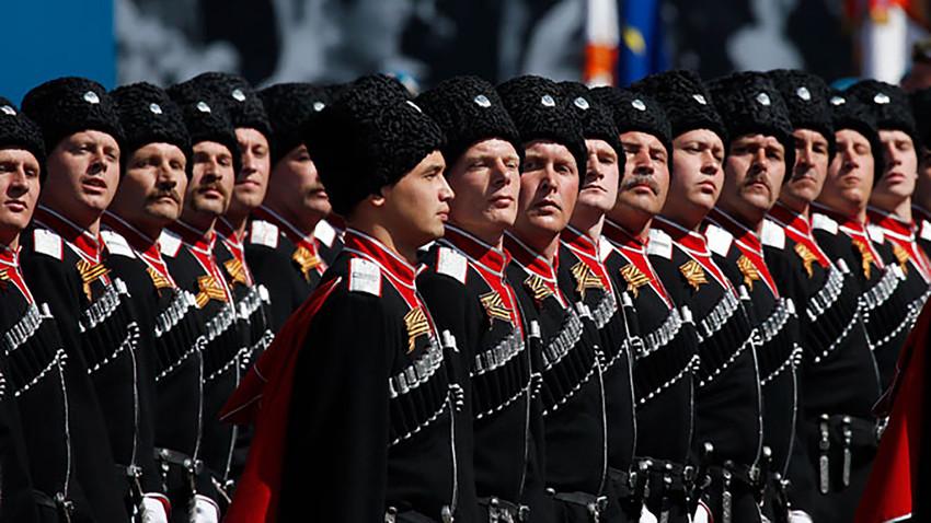 Козаци решили да врате у Русију потомке беле емиграције из света