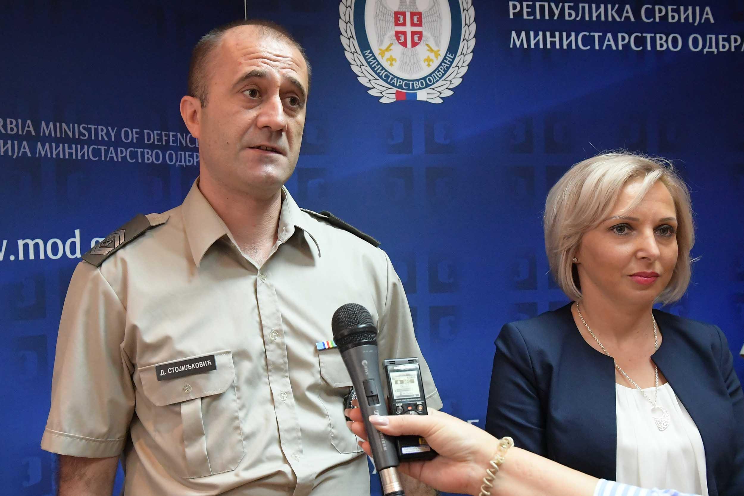 Стојиљковић Дејан и Анкa спасили живот тешко повређеном младићу у саобраћајној несрећи