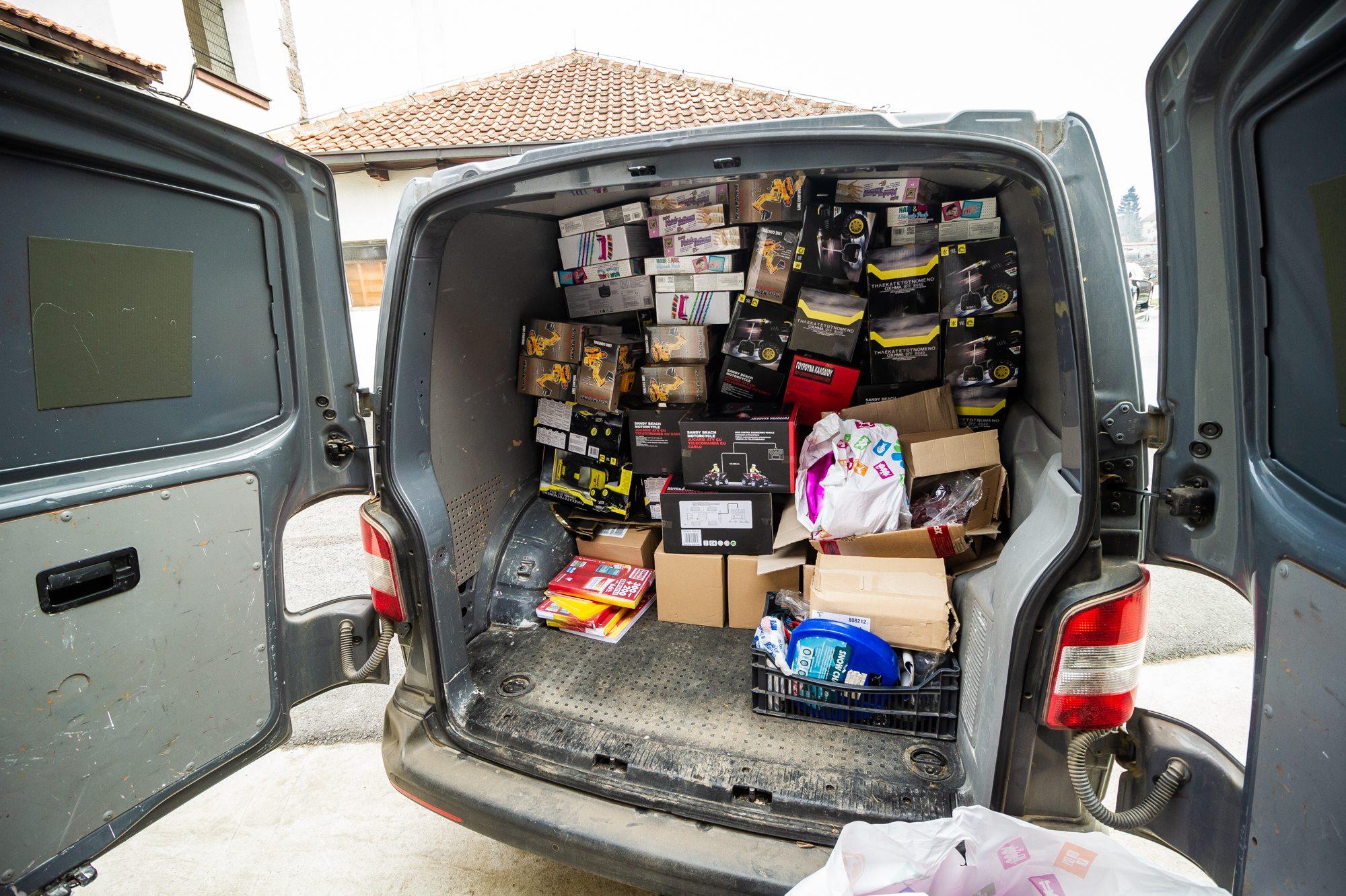 Сепаратистичлке власти у Приштини заплениле 140 светосавских пакетића намењених деци