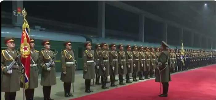 Дочек Ким Џонг Уна у Пјонгјангу након повратка из Ханоја
