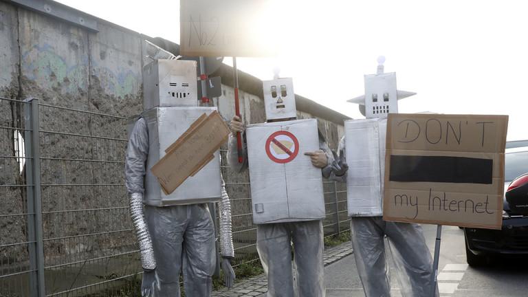 РТ: Контроверзни закон ЕУ о ауторским правима на интернету се суочава са коначним гласањем
