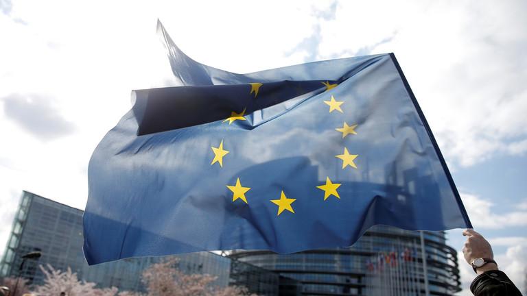 """РТ: """"Мрачни дан за интернет"""": Парламент ЕУ изгласао контроверзну реформу ауторских права"""
