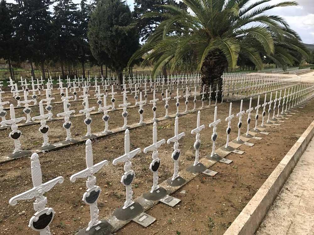 Заменик руководиоца Росотрудничества Александар Радков одао почаст руским и србским војницима у туниском граду Мензел Бургиби