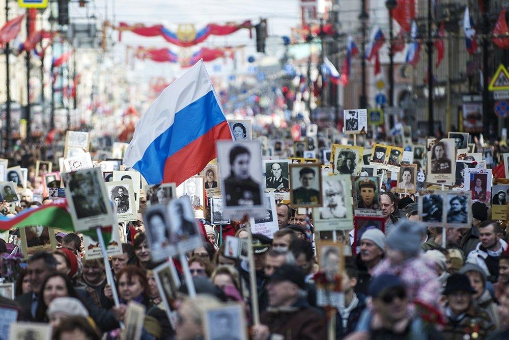 """""""Бесмртни пук"""" маршира у 110 земаља света"""