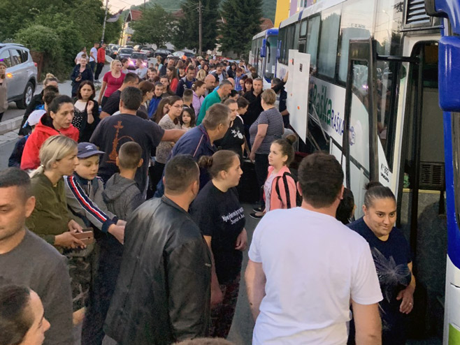 Deca sa Kosmeta krenula prema Republici Srbskoj