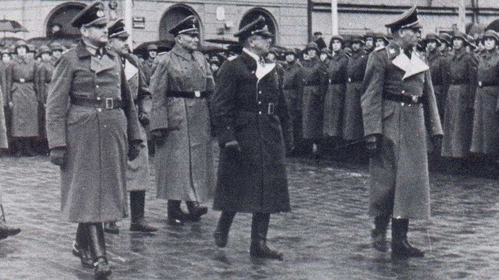 """РТ: Летонска легија Вафен СС """"понос наше државе и нације"""", каже министар одбране"""