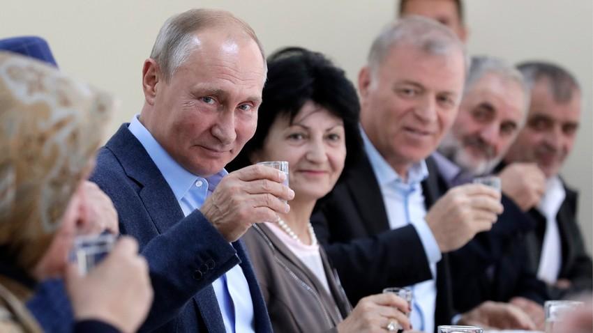 У Ивањици украдена ракија за администрацију председника Путина?
