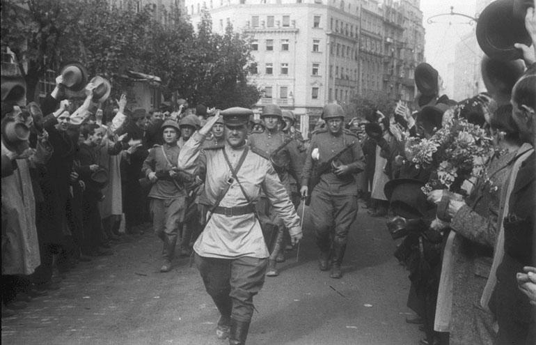 На данашњи дан пре 75 годинa ослобођен Београд од нациста