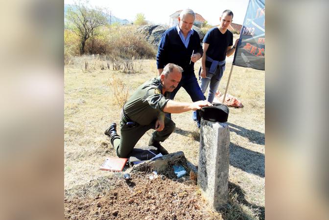 Потомци јунака из Гвозденог пука пронашли гроб претка
