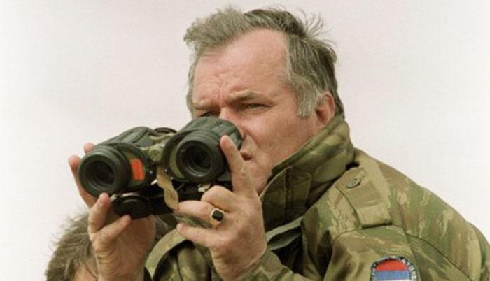 Генерал Ратко Младић мора на операцију