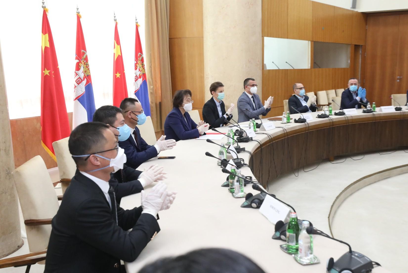 Кина донирала Србији две лабораторије за тестирање на коронавирус