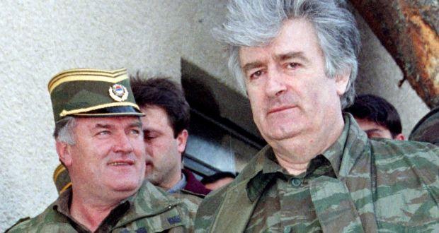 Радован Караџић посетио генерала Ратка Младића