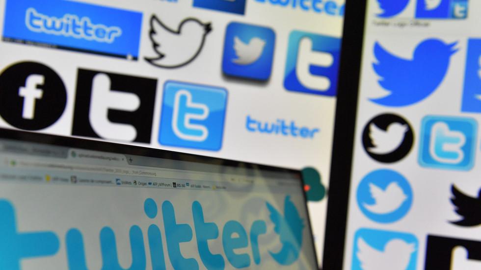 """РТ: Турски парламент одобрио закон којим се Фејсбук и Твитер обавезују да у наредних 48 сати уклоне """"увредљиви садржај"""""""