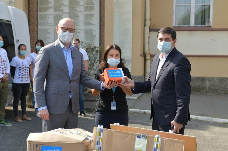 UNICEF у сарадњи са НИС-ом донирао додатних 50 протокомера здравственим установама у Србији