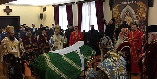 Тело патријарха Иринеја пренето у Саборни храм