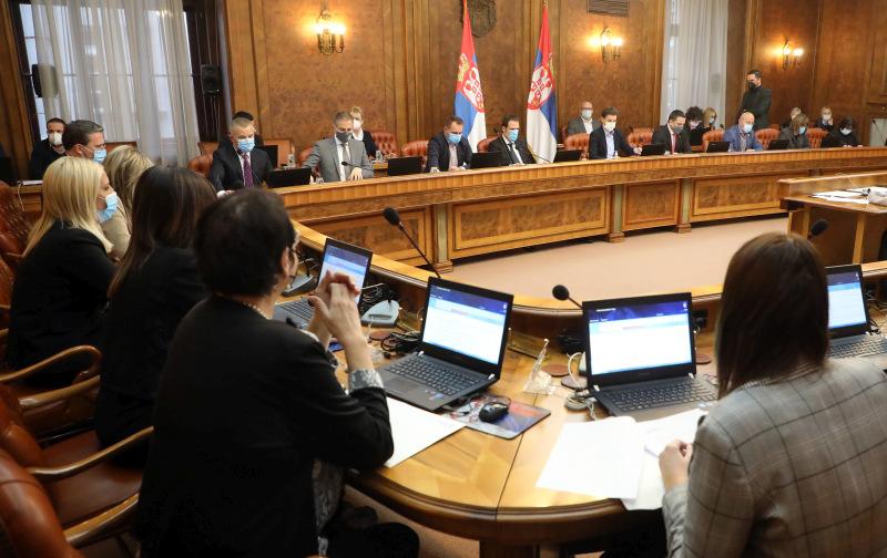 Vlada usvojila nove mere u borbi sa epidemijom COVID–19