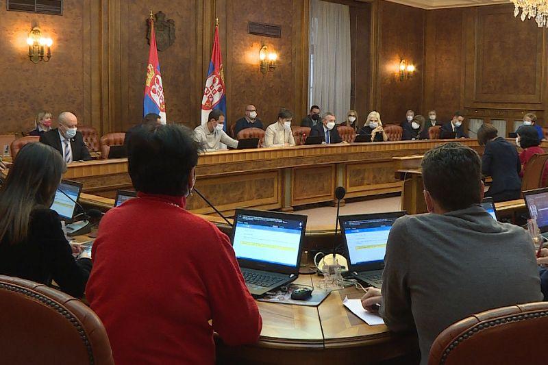 Влада усвојила препоруку Кризног штаба о задржавању досадашњих мера