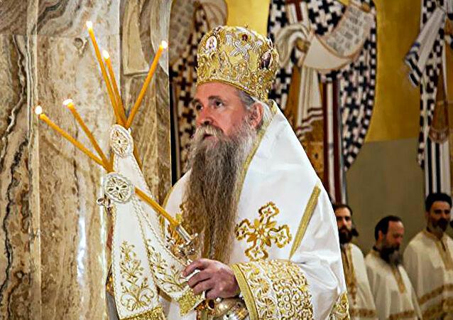 """Владика Јоаникије за """"Дан"""": Бирање Патријарха је саборни, црквени и светодуховски чин од свенародног значаја"""