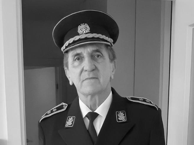 Преминуо пуковник Милован Милутиновић