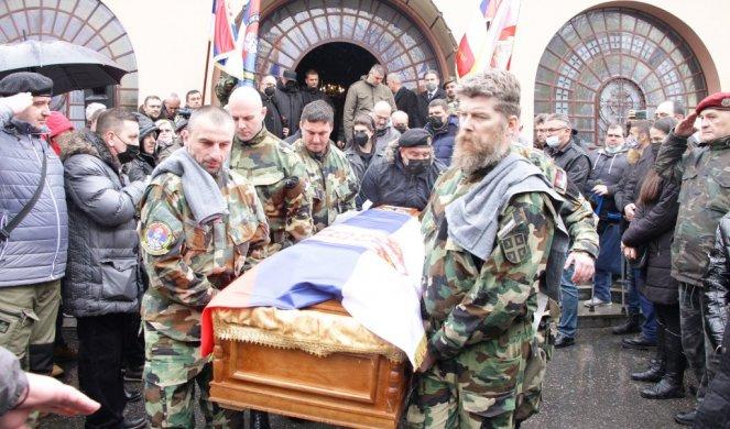 На рукама сабораца Алберт Андијев испраћен на вечну стражу: Руски добровољац сахрањен у Београду уз војне почасти