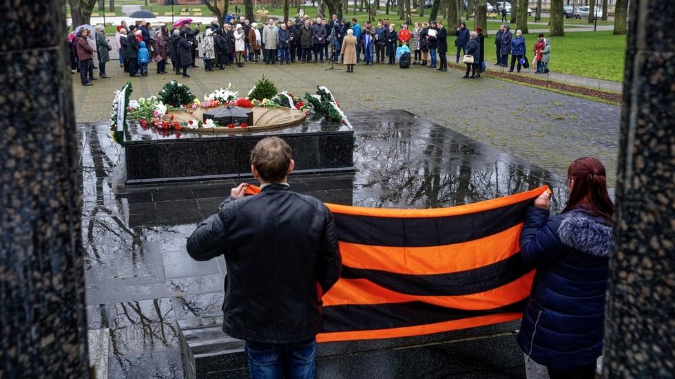 РТ: Летонска комисија за људска права одобрила забрану Георгијевске ленте, заштитни знак прославе победе у Другом светском рату