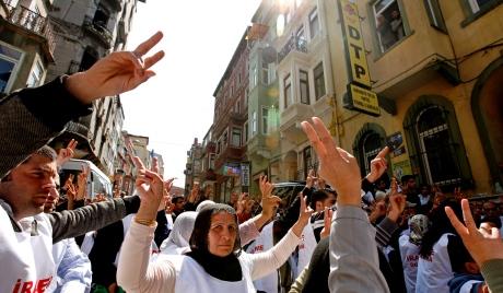 На десетине хиљада Курда изашло на протест у Стразбуру