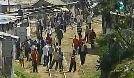 Полиција растерала ученике сузавцем