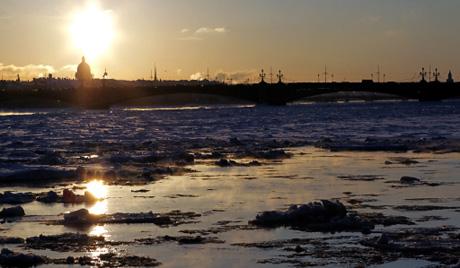 Тринаест рибара се нашло на одломљеној санти леда у Финском заливу