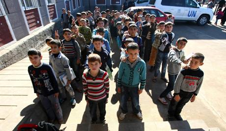 Изгубљеног сиријског дечака вратили мајци