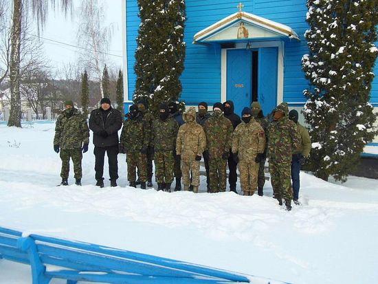 Расколници уз помоћ фашиста силом заузели православни храм у западној Украјини