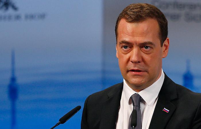 """Медведев: Русија преговара са Грчком и Бугарском око тачке уласка гасовода """"Турског тока"""" у Европу"""