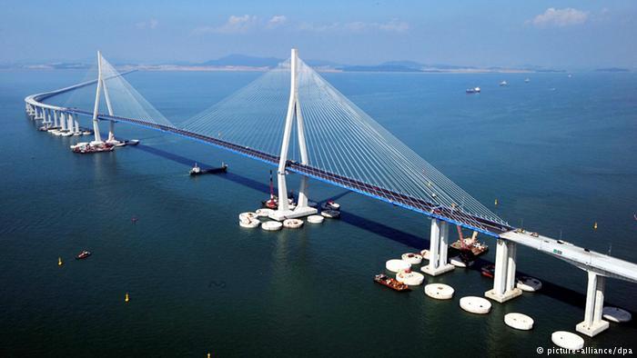 Кијев: Русија осудила Украјину на изолацију изградњом моста преко Керчког мореуза