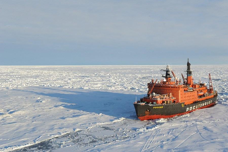 Руски бродови добили ексклузивно право да превозе и чувају нафтне производе у Северном мору