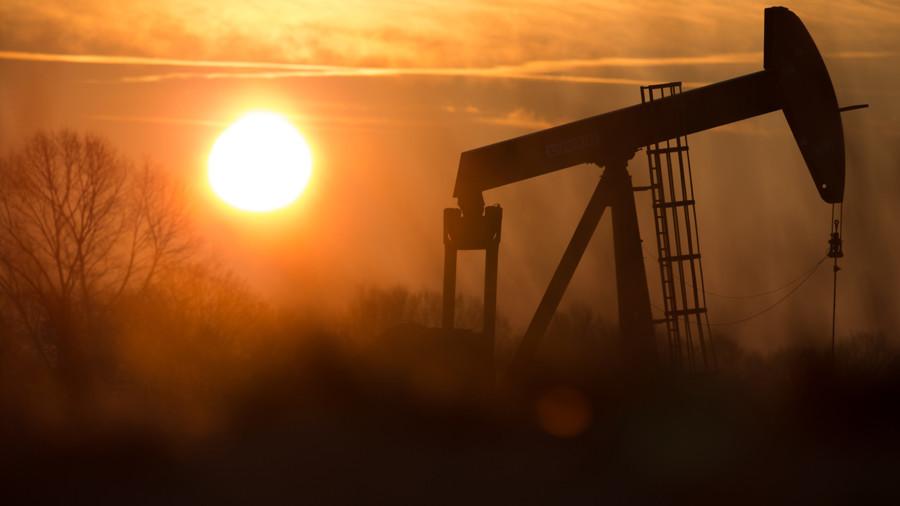 РТ: Москва разматра избацивање долара и евра у трговини нафтом са Турском и Ираном