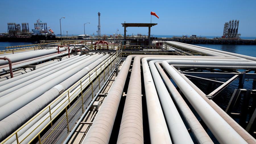 РТ: Хамнеи запретио блокадом Ормуског мореуза ако се блокира ирански извоз нафте