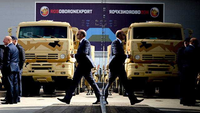 Москва разматра о избацивању долара из уговора војно-техничке сарадње