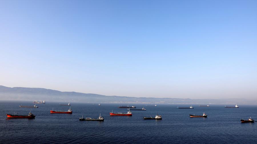 РТ: САД нису успеле да зауставе извоз нафте - Техеран