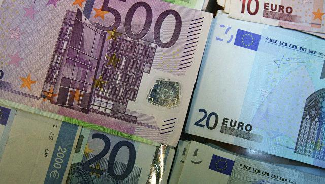 ЕУ позвала да се активније користи евро у стратешким секторима економије уместо долара