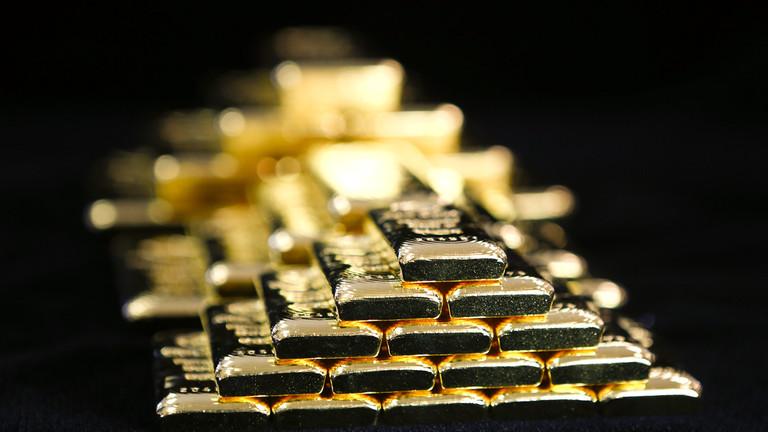 РТ: Кина купује злато усред глобалних напора да се оконча доминација америчког долара