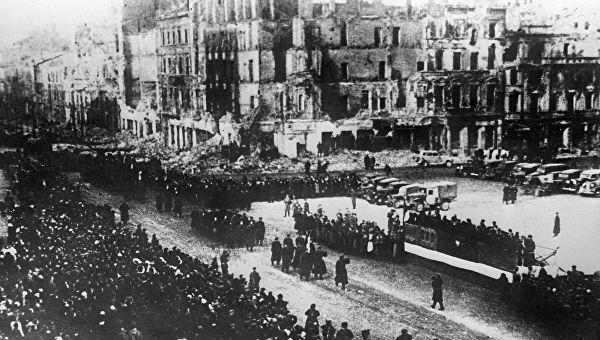 Пољска би могла тражити од Немачке 900 милијарди долара као репарацију за штету начињену за време Другог светског