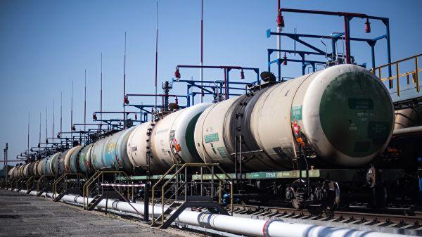 У Кијеву саопштили о опасности колапса економије због забране испоруке нафте из Русије