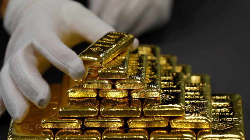 RT: Dalje od dolara: Srbija i Filipini se pridružuju globalnom lovu na zlato