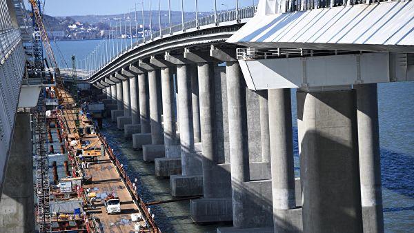 Изграђен први колосек Кримског моста