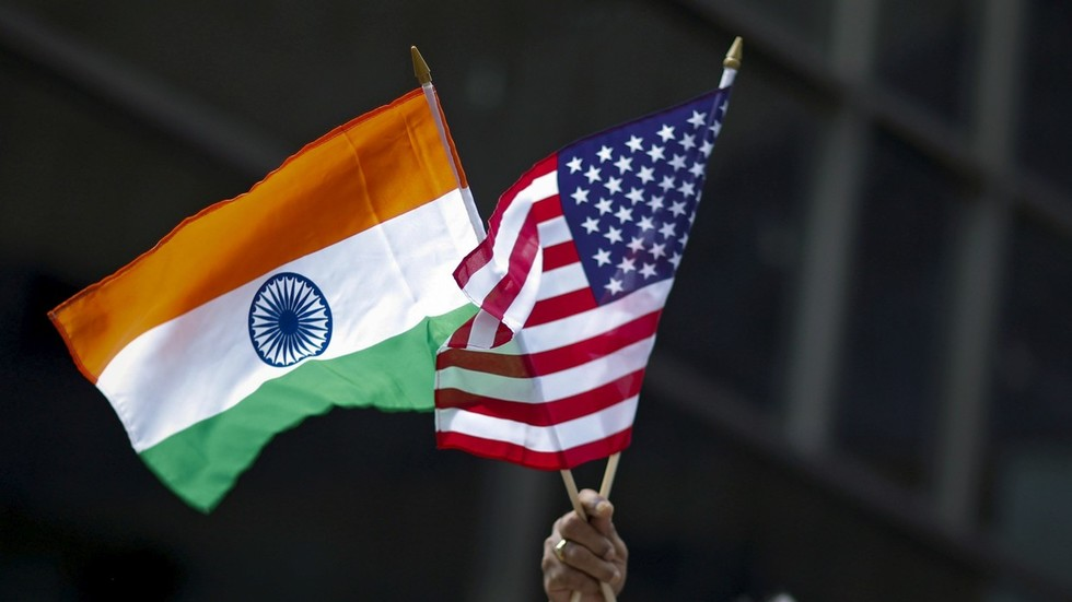 РТ: Индија одговорила царинама САД-у за 28 америчких производа уочи посете Помпеа