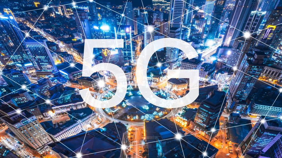 """РТ: """"Хуавеј"""" доминира глобалном трком за 5G мрежу, потписавши преко 50 уговора упркос притиску САД-а"""