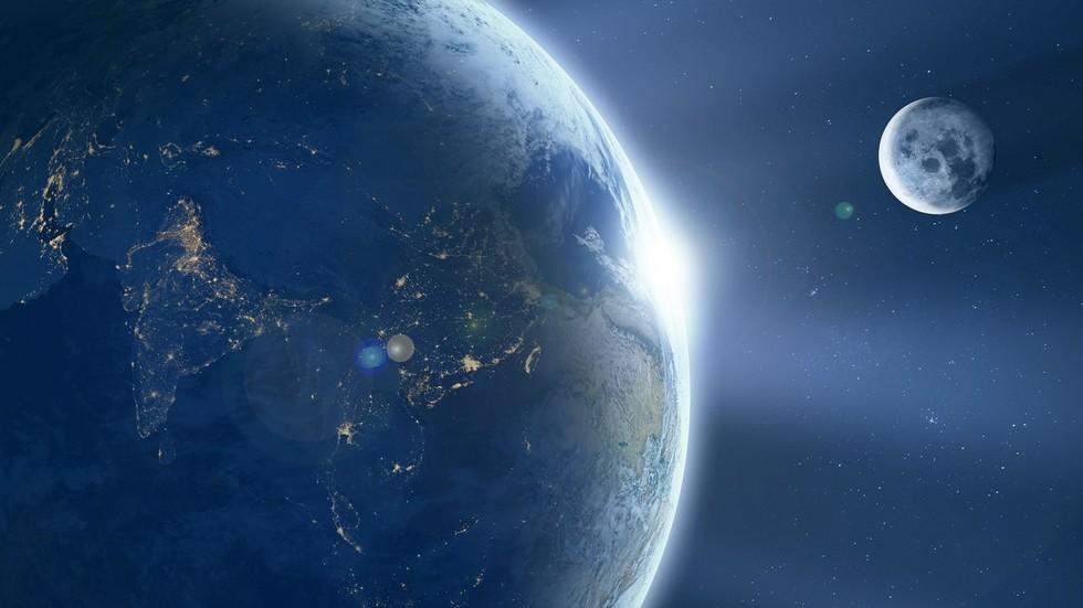 РТ: Космичка економија: Кина жели да оснује економску зону између Земље и Месеца