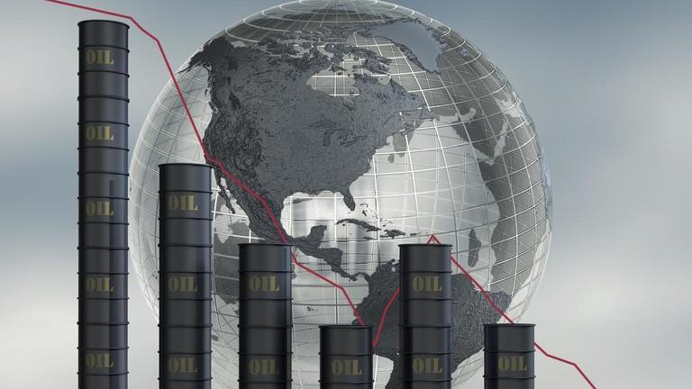 РТ: Русија мора бити спремна на било који сценарио, јер тржиште нафте трпи стрми пад - Путин