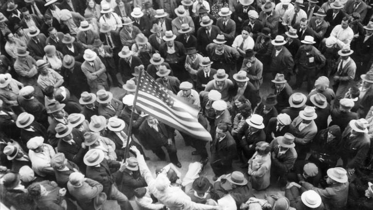 РТ: Велика депресија 2.0 ? САД би могле достићи највећу незапосленост икада