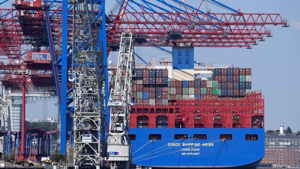 РТ: САД подстичу трговински рат како би уклониле ланце снабдевања из Кине